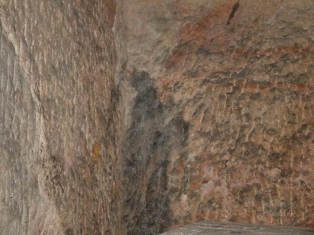 귀산한묘(龜山漢墓)의 네가지 수수께끼